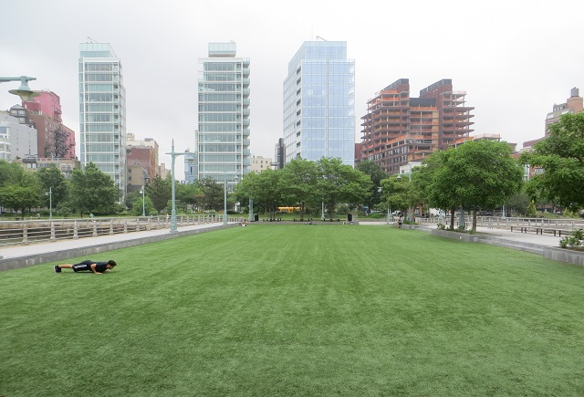 places to exercise - fake turf like at Princes Pier
