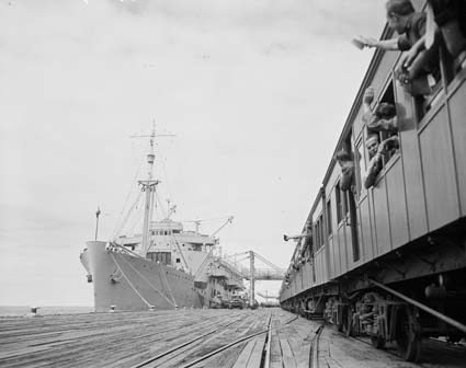 HMAS Kanimbla arrives at Princes Pier in 1947 2