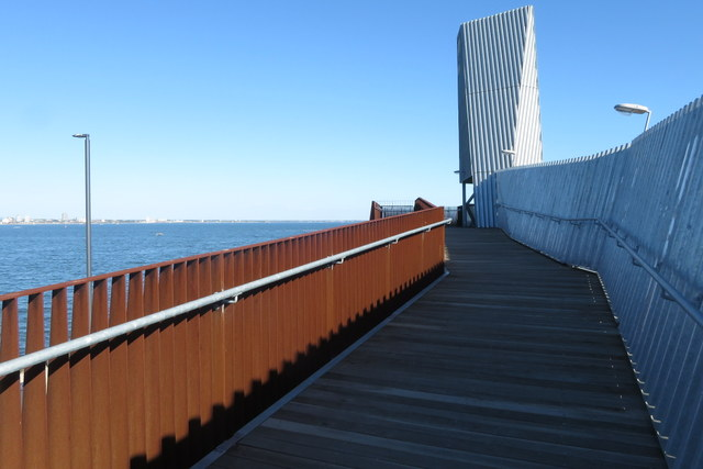 Observation deck at Webb Dock