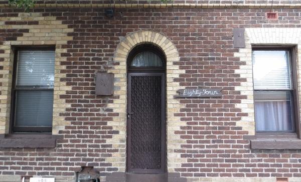 Door, Raglan St